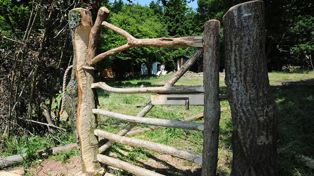 Humble-Hideaway-Handmade-Hobbit-gate