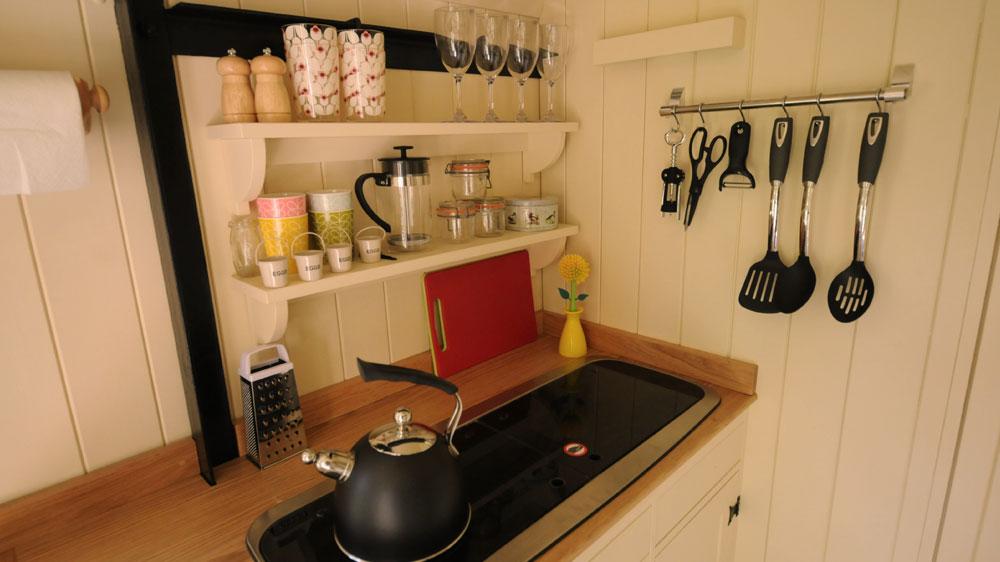 Shepherd's-hut-interior-kitchen-cooking