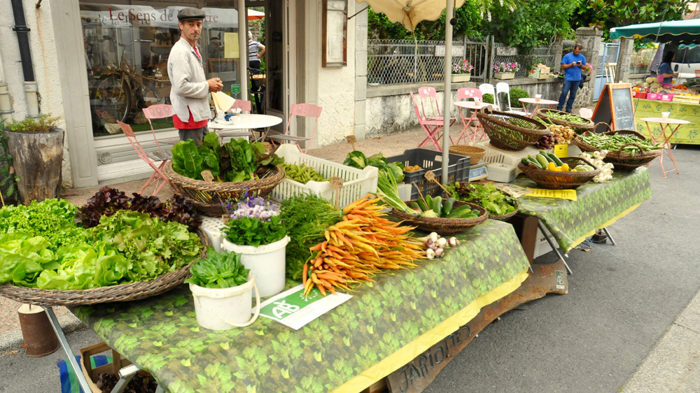 The food market near to Poacher's Cabin