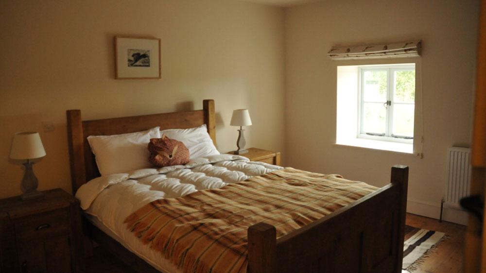The-Piggery-main-bedroom