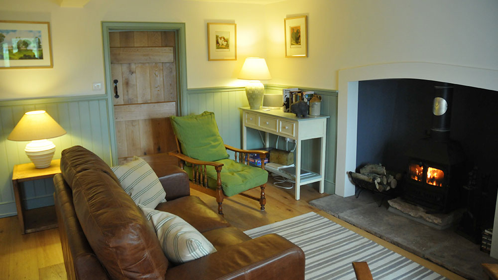 The-Piggery-sitting-room-&-fire